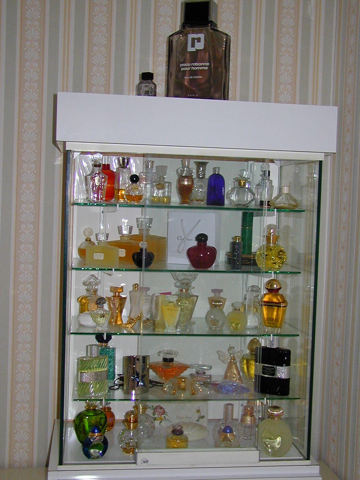 flacons de parfum de collection centerblog. Black Bedroom Furniture Sets. Home Design Ideas