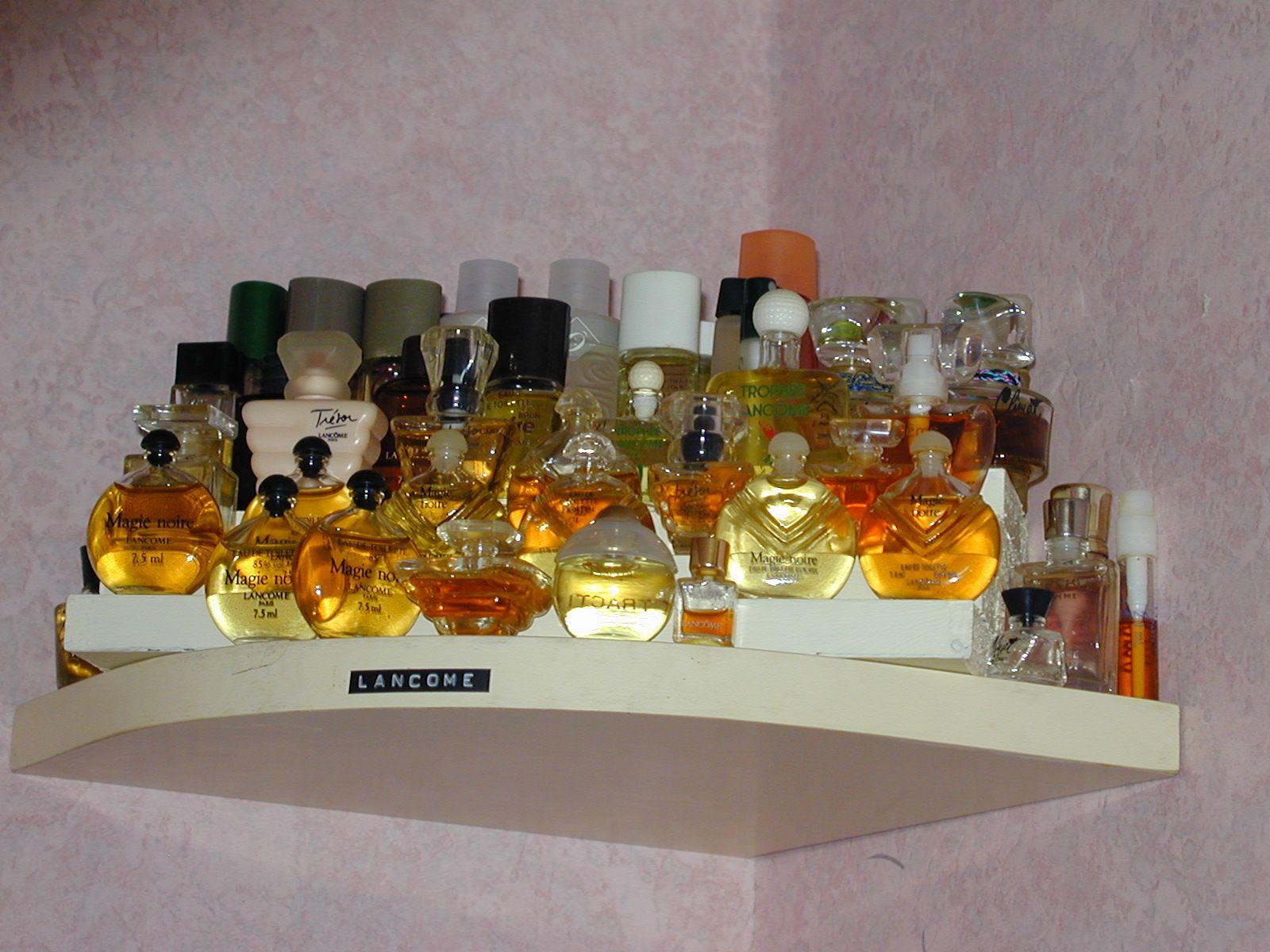 miniatures de parfums page 8. Black Bedroom Furniture Sets. Home Design Ideas